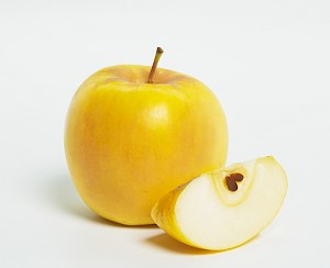 Opal® Naturally Non-Browning Apple Crispy and sweet with a tangy finish